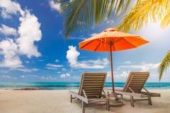 Idyllisch tropisch strandlandschap voor achtergrond of behang Ontwerp van toerisme voor het concept van de de vakantiebestemming  Stock Foto's