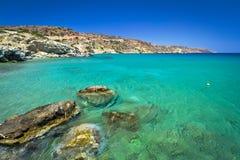 Idyllische blaue Lagune des Vai Strandes Lizenzfreie Stockfotos