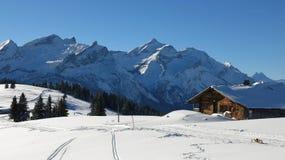 Idyllische Winterlandschaft nahe Gstaad Stockfoto