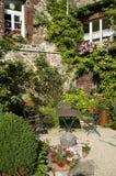 Idyllischer Garten Lizenzfreie Stockfotos
