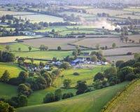 Idyllisches ländliches Ackerland, Cotswolds Großbritannien Stockfotografie