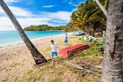 Idyllisk strand på karibiskt Arkivbilder