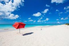 Idyllisk strand på karibiskt Royaltyfri Fotografi