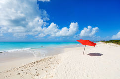 Idyllisk strand på karibiskt Royaltyfria Foton