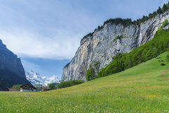 Idylliskt landskap av schweizaren fotografering för bildbyråer