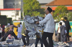 Ied-Gebet auf dem Gebiet Simpanglima Semarang lizenzfreie stockfotos