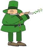 Ierse kabouter die een fluit spelen royalty-vrije illustratie