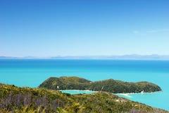 Iew på Abel Tasman National Park och Stillahavs-, Nya Zeeland Royaltyfria Foton