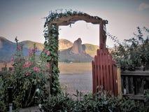 Igły skała Poza Ogrodowa brama Zdjęcia Royalty Free