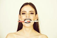 Igiene dentale, concetto orale di salute, sensibilità ed emozioni, dentista fotografia stock