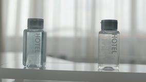 Igiene fissata nell'hotel stock footage