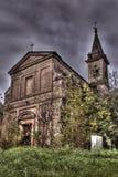 Iglesia abandonada afuera Imagenes de archivo