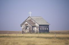 Iglesia abandonada de la pradera en Wyoming Foto de archivo libre de regalías