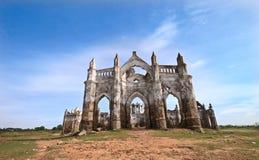 Iglesia abandonada en Shettihalli, la India Foto de archivo