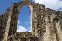 Iglesia abandonada interesante en el edificio Fotos de archivo libres de regalías