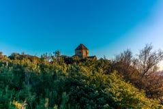 Iglesia abandonada por la playa en Toscana - 10 Imagenes de archivo