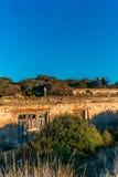 Iglesia abandonada por la playa en Toscana - 6 Fotos de archivo