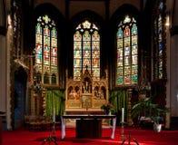 Iglesia adentro imagenes de archivo