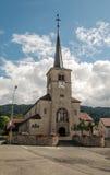 Iglesia adornada con las flores Imágenes de archivo libres de regalías
