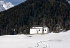 Iglesia alpestre fotos de archivo