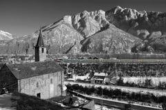 Iglesia alpestre en invierno imágenes de archivo libres de regalías