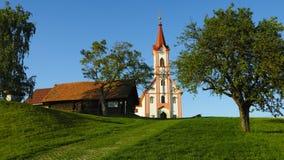 Iglesia alpina foto de archivo
