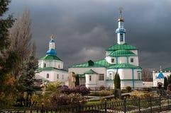 Iglesia antes de la tormenta Imágenes de archivo libres de regalías