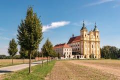 Iglesia barroca del peregrinaje de la Virgen María en la copia nad Moravou, República Checa fotografía de archivo