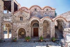 Iglesia bizantina Mystras de la metrópoli imagenes de archivo