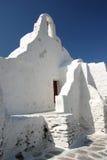 Iglesia blanca en Mykonos Imagenes de archivo
