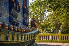 Iglesia budista construida de la porcelana Fotos de archivo libres de regalías