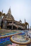 Iglesia budista hermosa en el templo budista de Phasornkaew Foto de archivo libre de regalías