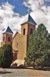 Iglesia católica cruzada santa Fotografía de archivo