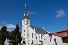 Iglesia católica cruzada santa Imágenes de archivo libres de regalías