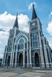 Iglesia católica del ángulo bajo en Chanthaburi Tailandia Imagen de archivo libre de regalías