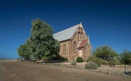Iglesia católica en la ciudad del interior de Silverton, NSW, Australia fotos de archivo libres de regalías