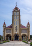 Iglesia católica en Vietnam del sur. foto de archivo