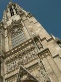 Iglesia católica y torre de alarma Foto de archivo