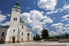 Iglesia católica romana en la ciudad Ruzomberok, Eslovaquia Fotografía de archivo libre de regalías