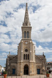 Iglesia con el cielo nublado Imagen de archivo libre de regalías
