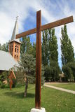 Iglesia con la cruz en la Argentina Imagen de archivo libre de regalías