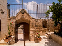 Iglesia cristiana muy vieja en los territorios árabes de Burqin en Palestin Fotos de archivo libres de regalías