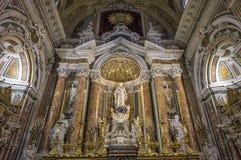 Iglesia de Barroco del Gesu Nuovo, Nápoles, Italia imagenes de archivo