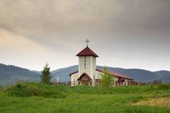 Iglesia de Catolic en la colina Fotografía de archivo