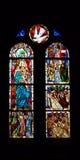 Iglesia de cristal manchado de las ventanas interior Fotos de archivo libres de regalías