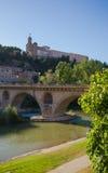 Iglesia de Cristo del santo de Balaguer sobre el puente del río de Segre Foto de archivo libre de regalías
