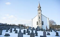 Iglesia de Daviot y cemetry Fotos de archivo libres de regalías