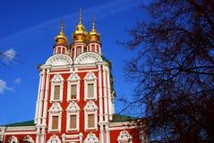 Iglesia de Dormition en el convento de Novodevichy en Moscú Foto de archivo libre de regalías