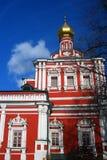 Iglesia de Dormition en el convento de Novodevichy en Moscú Foto de archivo