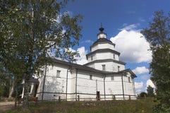 Iglesia de Elías el profeta en Tsypina, distrito de la región de Vologda, Rusia de Kirillov Imagenes de archivo